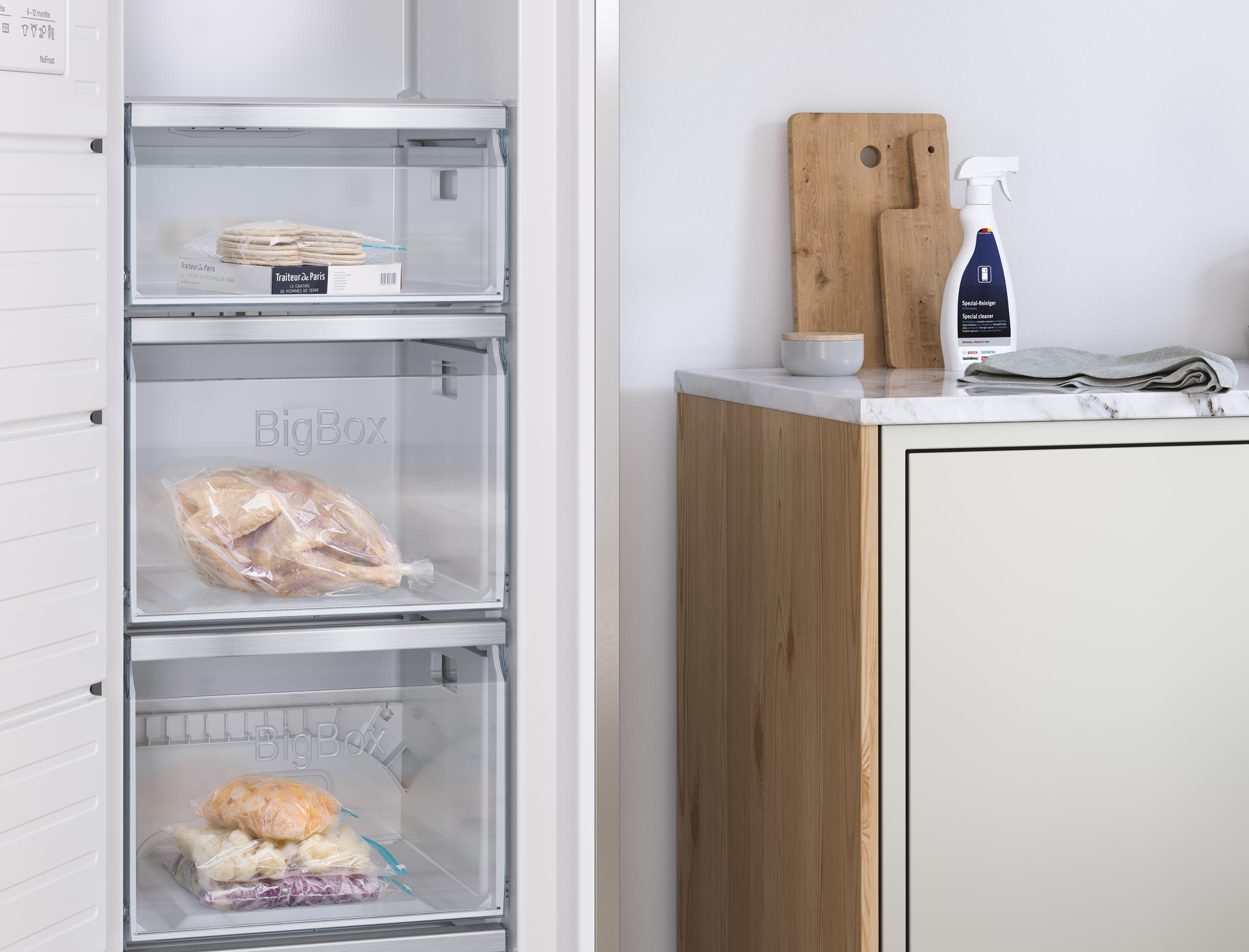 CGI - Bosch - Home Appliances - Freezer - Close up